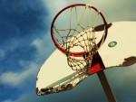 没有天空的篮球场叫我怎么耍